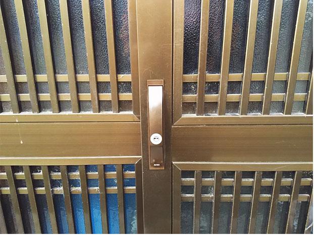 防犯性も上がりスッキリ綺麗な引き戸の錠前